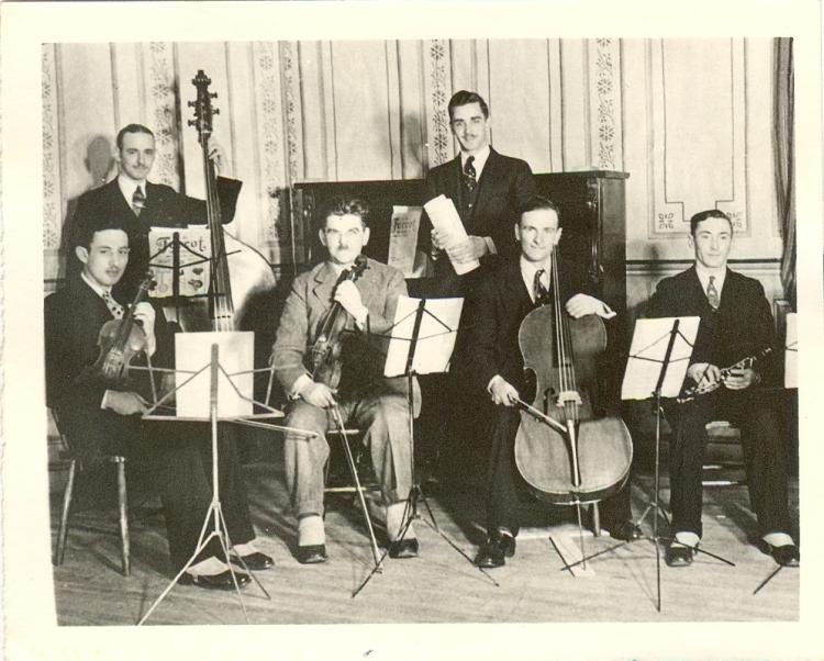 Orchestre-de-l-ecole-vers-1925